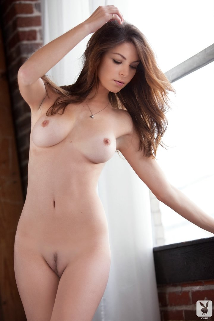 Hot and wet all girl anel sex