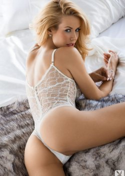 Kennedy Summers Sexy