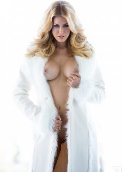 Kennedy Summers Nude Playmate
