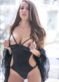 Shelby Chesnes Natural Tits